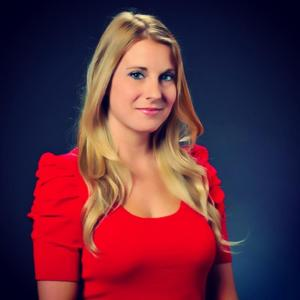 Kaitlyn Vincie's story began in a basement, yet her ultimate goal recently became a reality. (Credit: KaitlynVincie.com)